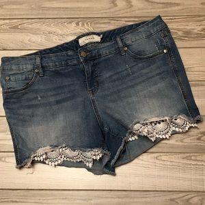 Torrid blue jean shorts lace bottom size 18